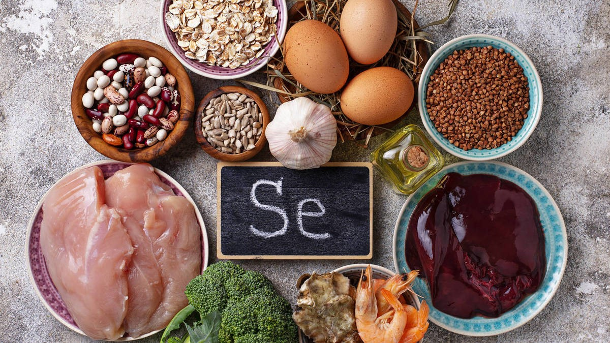 Foods of animal and vegetable origin with high concentrations of selenium and that are an essential source in the human diet.