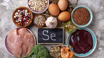 Foods of animal and vegetable origin with high concentrations of selenium and that are an essential